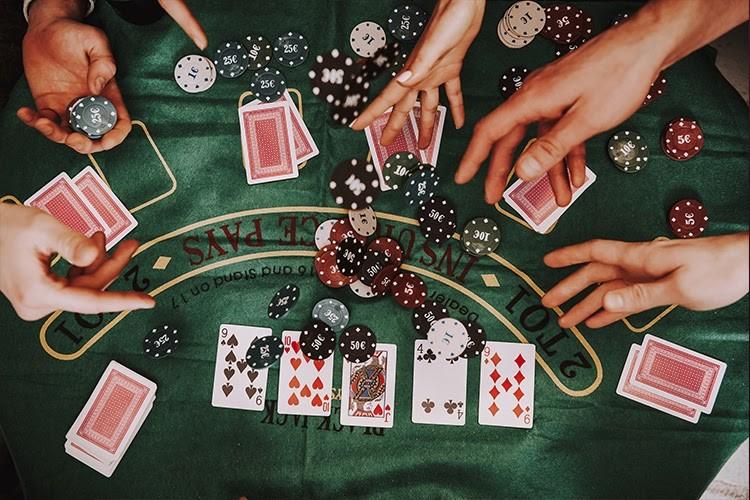 オンラインカジノのシックボーの特徴やルール、攻略法について解説