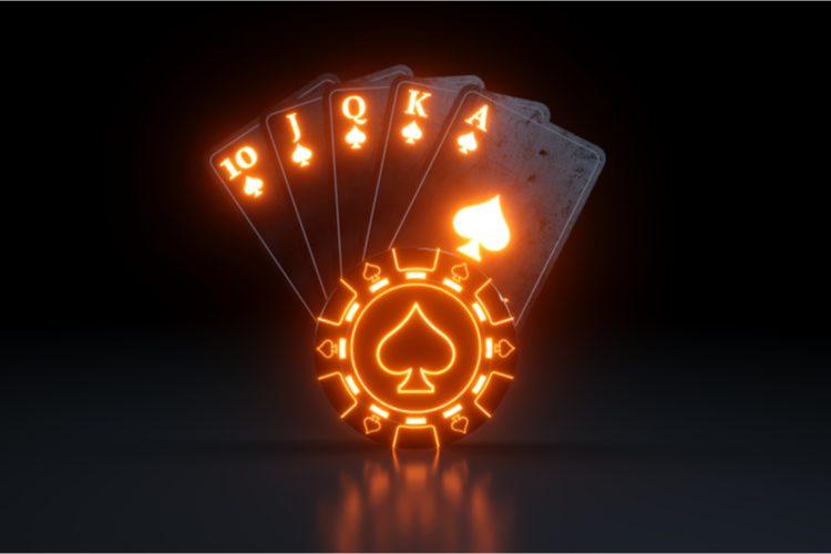 ポーカーでロイヤルフラッシュ(=ロイヤルストレートフラッシュ)が出る確率はどのくらい?他の役も合わせてご紹介
